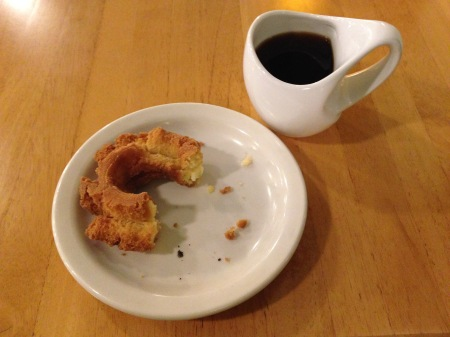 YoYo Donuts makes the best POF donuts you've ever wrapped your lips around.